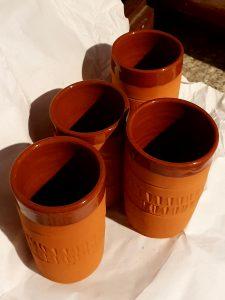 bicchieri di terracotta
